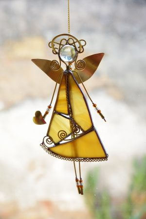 Anđeo,ukras za prozor – oker žuta