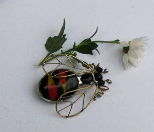 Pčela broš 3