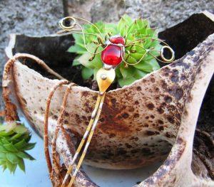 Tiski cvet-manji broš