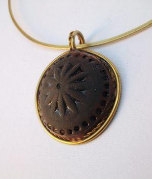 Medaljon crna glina-ogrlica
