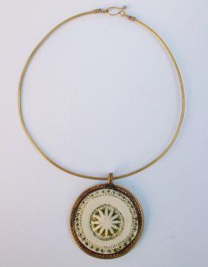 Medaljon porcelan,ogrlica 1