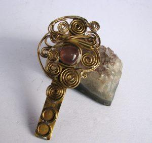 Šnala-štipaljka za kosu roza