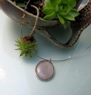 Ogrlica medaljon-roza