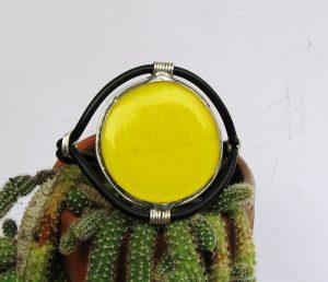 narukvica medaljon žuta